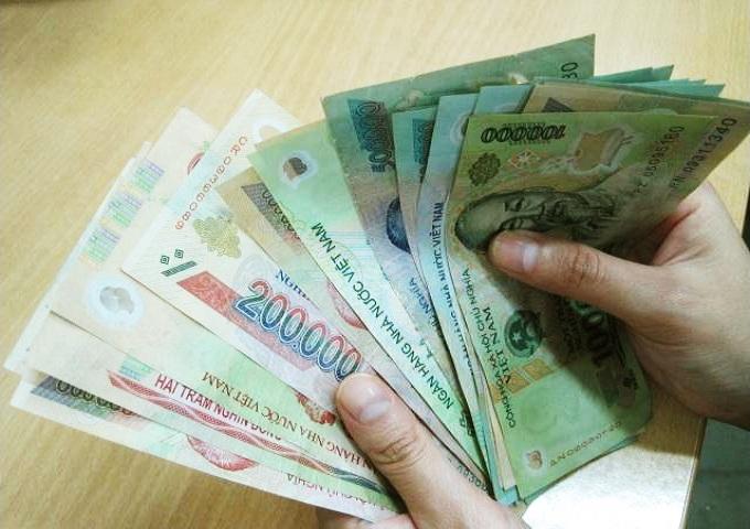 Cách để thoát khỏi nợ nần chính là tieu ít hơn số tiền bạn kiếm được